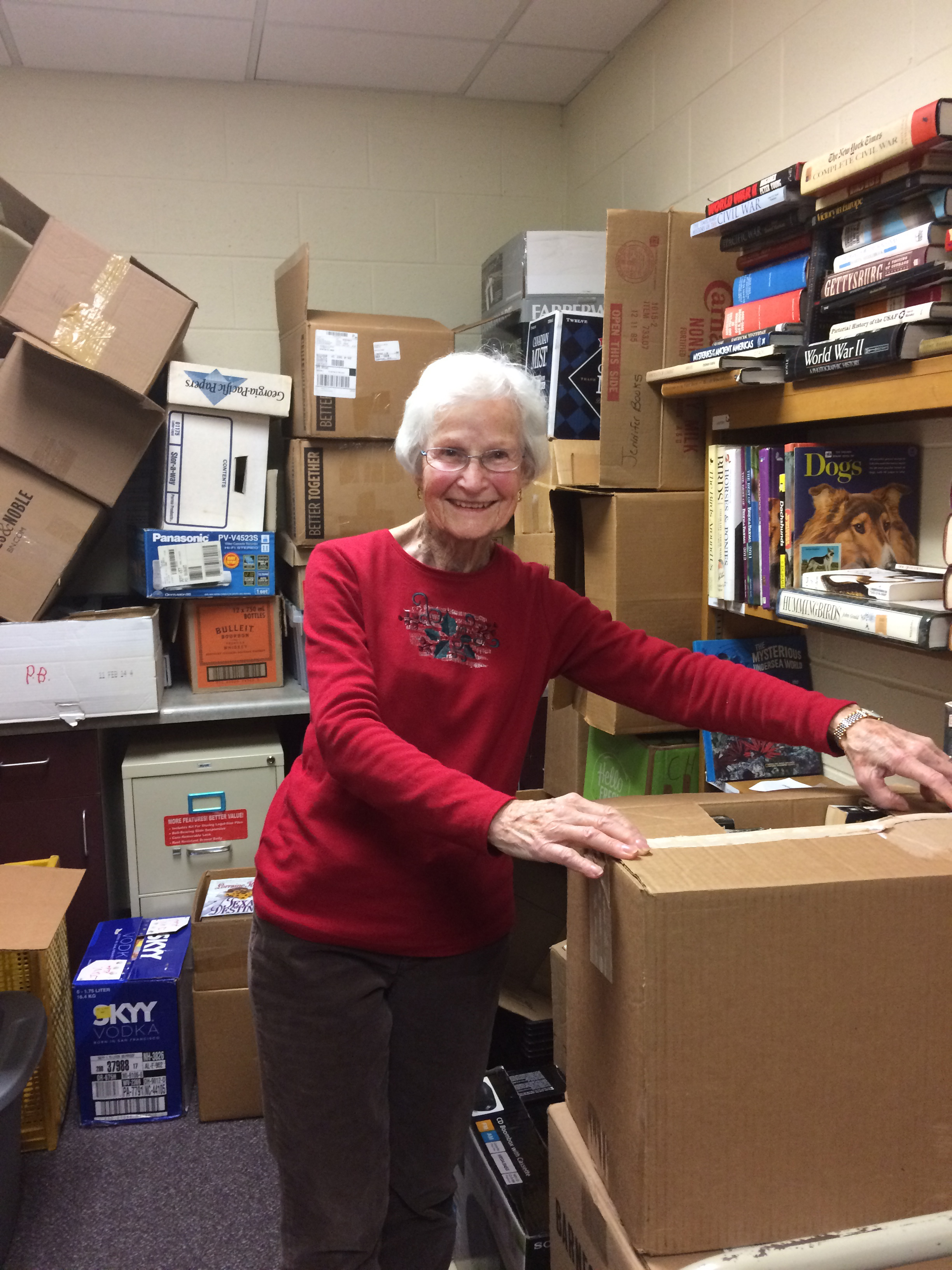 Library Volunteer Receives Award